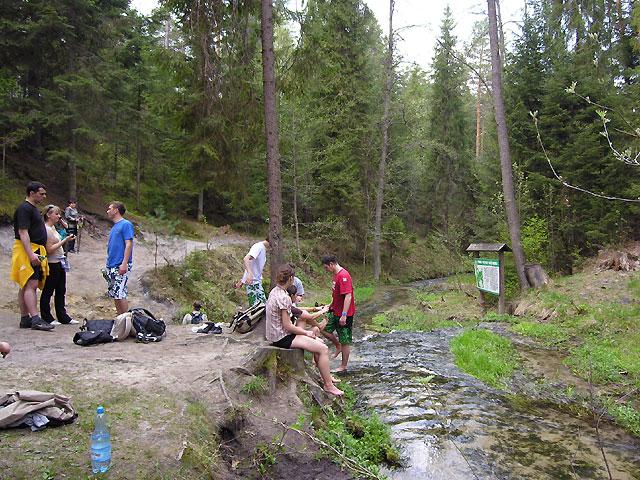 przy wodospadzie na rzece Jeleń